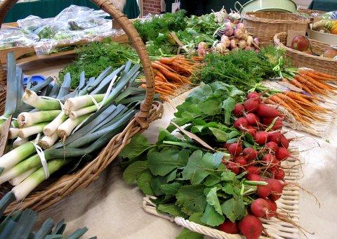 Госдума предлагает разрешить фермерам торговать под открытым небом